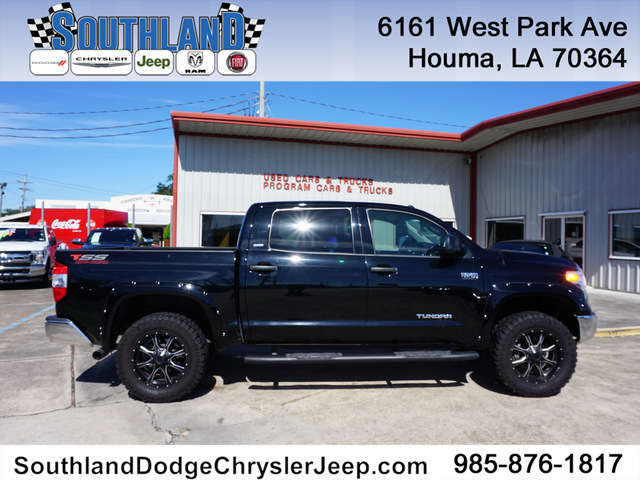Pre-Owned 2016 Toyota Tundra SR5 4WD 5.7L V8